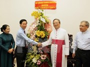 越南领导圣诞节前夕看望慰问全国各地信教群众