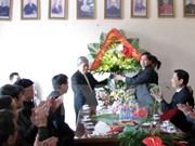 承天顺化省领导向顺化总教区总主教致以圣诞祝福