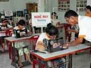 2015年越南芹苴市努力将贫困户比例降至最低水平