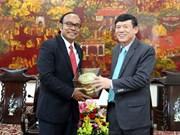 越柬友好协会代表团访问越南北宁省