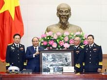 阮春福会见海上胡志明小道传统协会老战士代表团(组图)