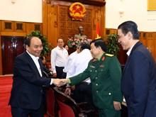 越南政府总理阮春福分别同安江省和老街省骨干领导举行工作会谈(组图)