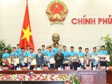 政府总理阮春福会见越南U23球队 授予球队一等劳动勋章(组图)