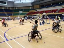 2018年第6次越南全国残疾人运动会:运动员们在赛场上奋力拼搏(组图)