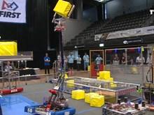 越南参加国际9-12年级中学生机器人对战赛