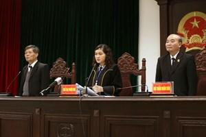 河内市法院对涉嫌河内沱江输水管破裂漏水案件的9名被告人公开宣判(组图)