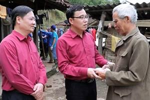 越南红十字会向北件省龙卷风冰雹受灾群众提供援助