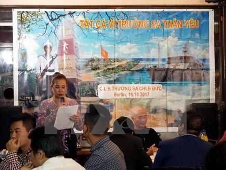旅德越南人传播对黄沙和长沙两个群岛的感情