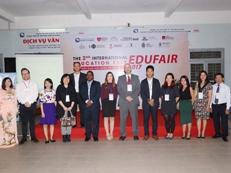 2017年岘港国际教育研讨会吸引世界各地12所大学代表参加