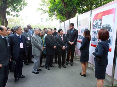 胡志明主席——越南民族解放英雄和杰出文化名人