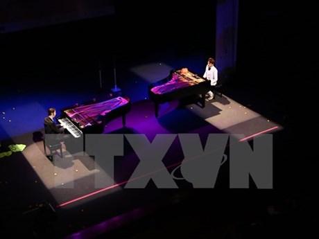 德国两名著名钢琴家在河内演出